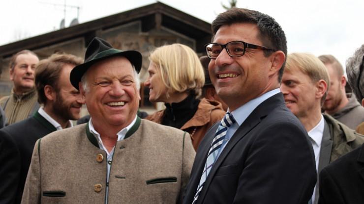 Georg von Preysing und Andreas Kernsind zufrieden mit den Baufortschritte am Maximilian.