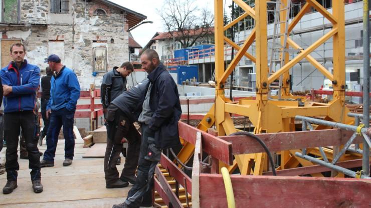 Bürgermeister Georg von Preysing bedankte sich vor allem bei den zahlreichen Handwerkern vor Ort.