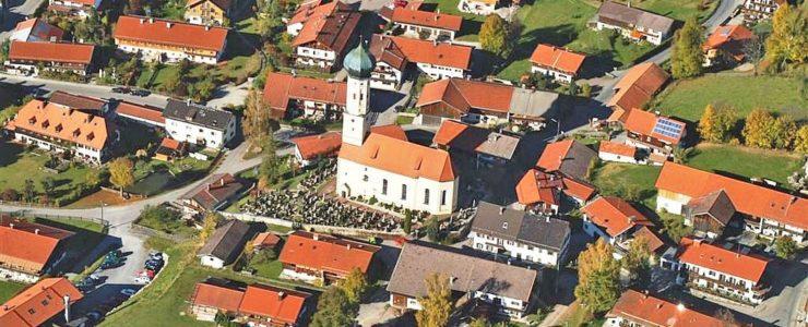 Weg vom Kirchturm