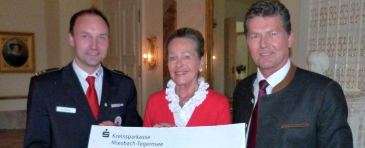 Herzogin Elizabeth spendet fürs BRK